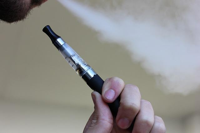 e-cigarette-1301664_640